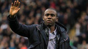 Fabrice Muamba - Cầu thủ bị đột quỵ ngừng tim 78 phút giờ ra sao?